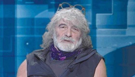 """Mauro Corona fa venire una crisi di nervi agli animalisti: """"Portiamo i cacciatori a scuola"""""""