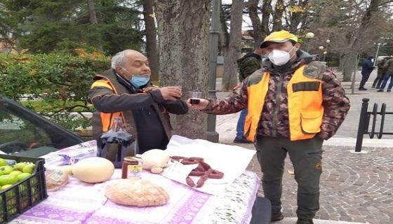 Covid: Presidio cacciatori fuori Emiciclo contro stop attività Venatoria