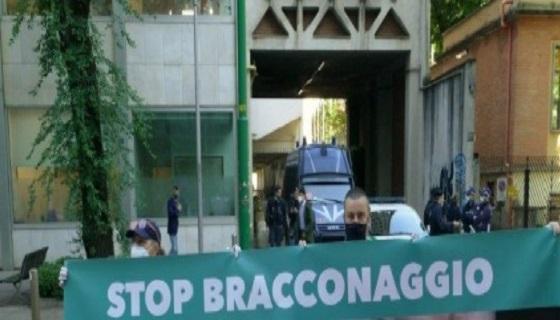 REGIONE LOMBARDIA: Contro la caccia protesta 5 Stelle fuori dal Pirellone