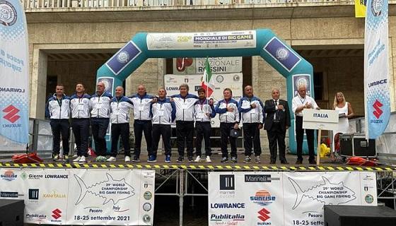 Pesca sportiva, Italia straripante ai Mondiali! Gli azzurri dettano legge a Pesaro campioni del Mondo